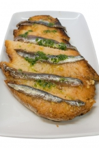 TOASTED BREAD WITH ANCHOVIES