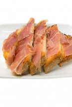 TOASTED BREAD WITH CURED HAM
